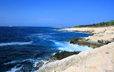 Cape Kamenjak - Chrystal Blue Sea of the Primordial Mediterranean