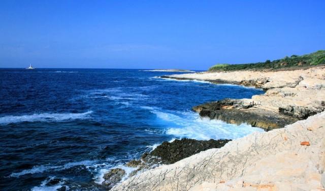 Kap Kamenjak - Kristalklares blaues Meer des ursprünglichen Mittelmeerraums
